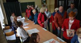 Lokale wyborcze zamknięte - trwa liczenie głosów