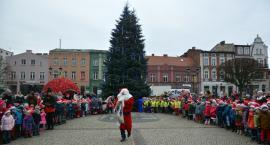 Na kościerski Rynek przybył Mikołaj, by spotkać się z dziećmi
