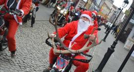Mikołaje na motorach opanowały kościerski rynek