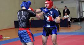 Kickbokserzy z całej Polski walczą w Kartuzach o tytuły mistrzów