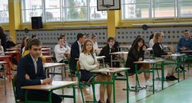 Mimo strajku uczniowie przystąpili do egzaminu gimnazjalnego