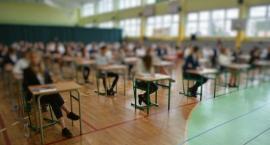 Ósmoklasiści rozpoczęli trzydniowy egzamin