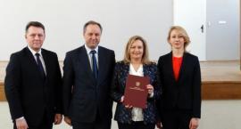 Blisko 100 tys. zł dla powiatu na modernizację budynku I LO