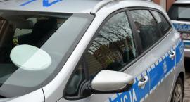 Nissan uderzył w drzewo - pięć osób trafiło do szpitala
