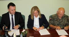 Akt notarialny podpisany!  W Kościerzynie powstanie baza WOT