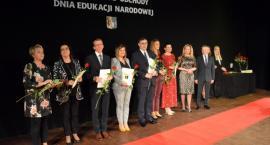 Powiat. Nauczyciele z nagrodami starosty i dyrektorów