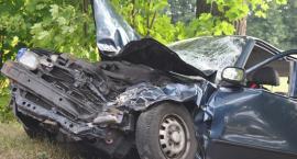 Stawiska. Hyundai zderzył się z kombajnem. Dwoje młodych ludzi w ciężkim stanie