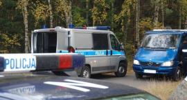 Sarnowy. Wypadek policyjnego konwoju - eskortowany przestępca zbiegł z miejsca zdarzenia
