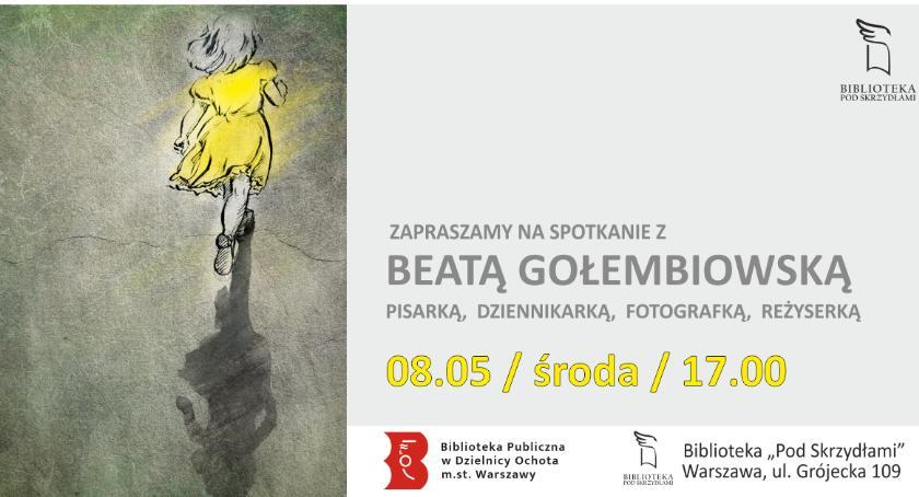 """literatura, Spotkanie Beatą Gołembiowską pisarką fotografką reżyserką Bibliotece """"Pod Skrzydłami"""" - zdjęcie, fotografia"""