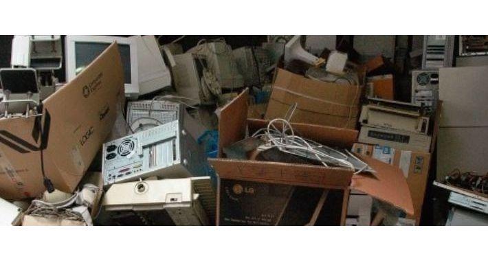 Gospodarka odpadami, Wystawka rzeczy niepotrzebnych - zdjęcie, fotografia