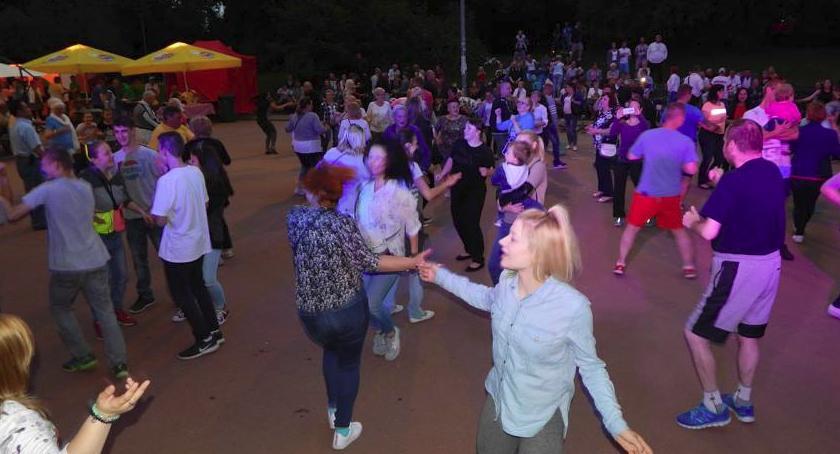 taniec, Kolejna potańcówka Szczęśliwicach - zdjęcie, fotografia