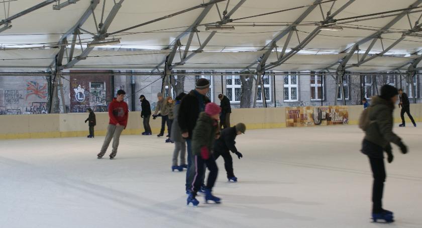 sport, Wielkie otwarcie lodowiska Rokosowskiej - zdjęcie, fotografia