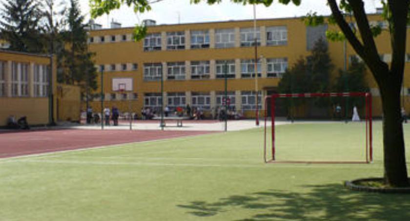 szkolnictwo, Jubileusz Szkoły Podstawowej Radarowej - zdjęcie, fotografia