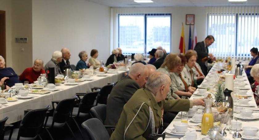 seniorzy, Wigilia Kombatantów Włochach - zdjęcie, fotografia