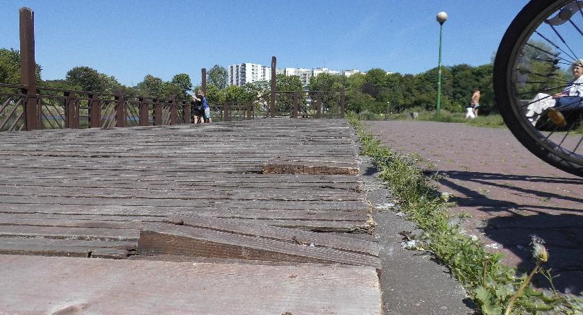 Bezpieczeństwo, Pomost Parku Szczęśliwickim - zdjęcie, fotografia
