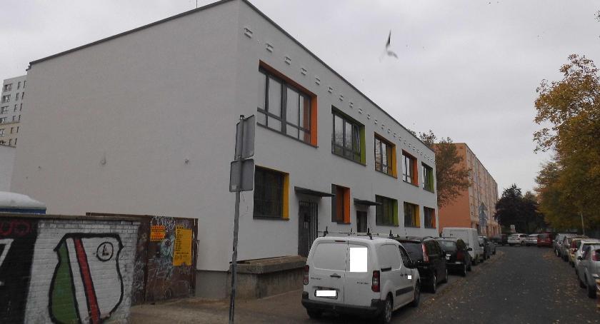 inwestycje, Budynek dawnej administracji nabiera przyzwoitego wyglądu - zdjęcie, fotografia