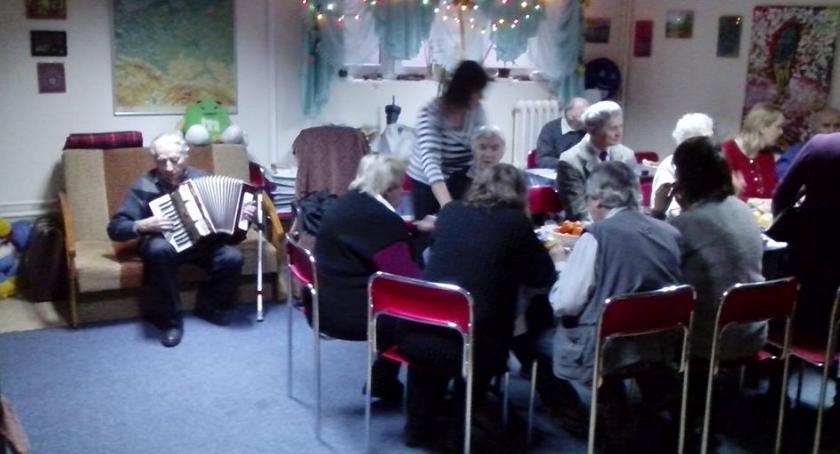 opieka społeczna, Prośba wsparcie działalności - zdjęcie, fotografia