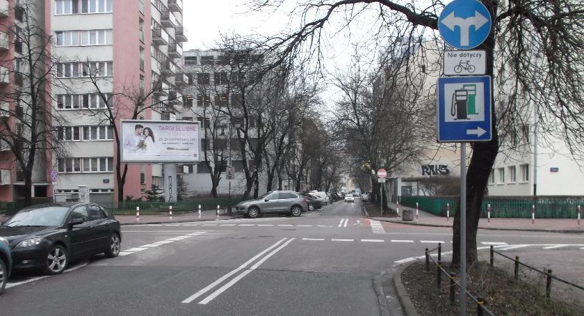ulice, Wybrakowane skrzyżowanie - zdjęcie, fotografia