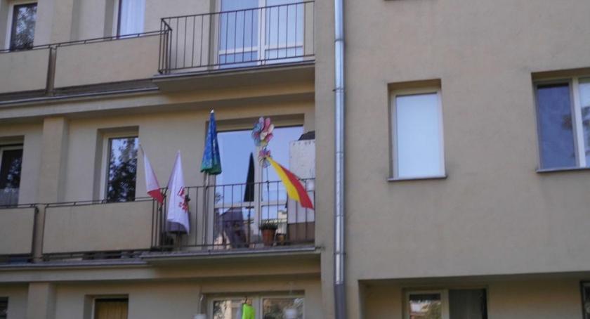 Stulecie niepodległosci, flagami patriotyzmem Ochocie - zdjęcie, fotografia