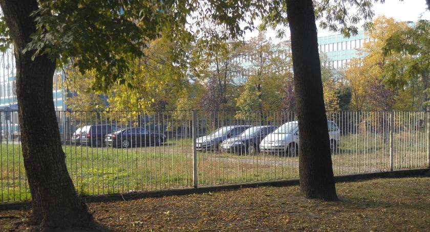 parkowanie, Ulica Księcia Trojdena kłopoty lokatorami - zdjęcie, fotografia