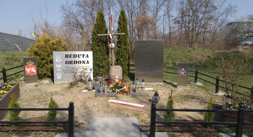 pomniki i ekspozycje, Reducie staremu - zdjęcie, fotografia
