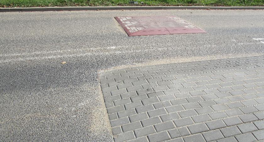 ulice, naszej cywilizacji jeszcze miejsce rozsądek - zdjęcie, fotografia