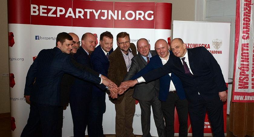 polityka, Porozumienie między Mazowiecką Wspólnotą Samorządową ruchem samorzadowym Bezpartyjni - zdjęcie, fotografia
