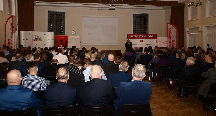 polityka, Konferencja bezpartyjnych samorządowców warszwskiej Ochocie - zdjęcie, fotografia