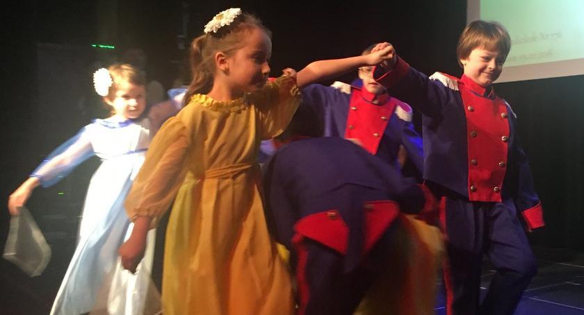 taniec, przedszkolaki tańczą! - zdjęcie, fotografia