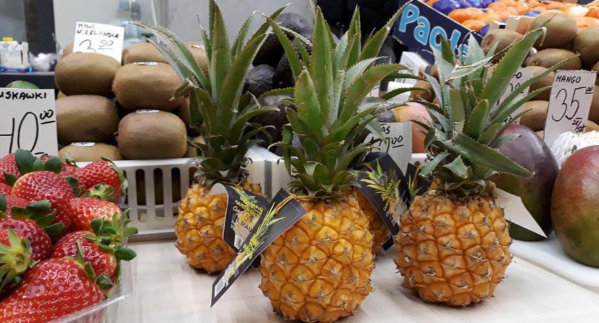 Ciekawy produkt   , Ananasy Zieleniaka - zdjęcie, fotografia