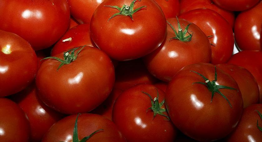 Przegląd cen na Zieleniaku, Pomidory tanieją gruszki drożeją - zdjęcie, fotografia
