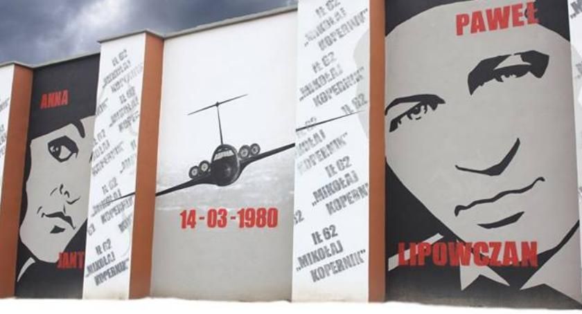 wspomnienie, Pamięci ofiar katastrofy lotniczej marca - zdjęcie, fotografia