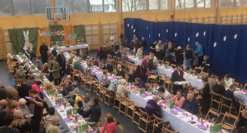 opieka społeczna, Ochota wspólnym stole - zdjęcie, fotografia
