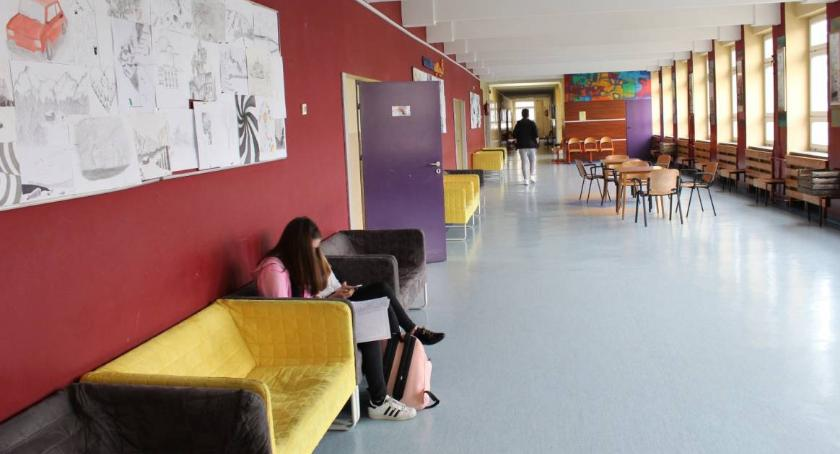 szkolnictwo, Liceum które poszerza horyzonty - zdjęcie, fotografia