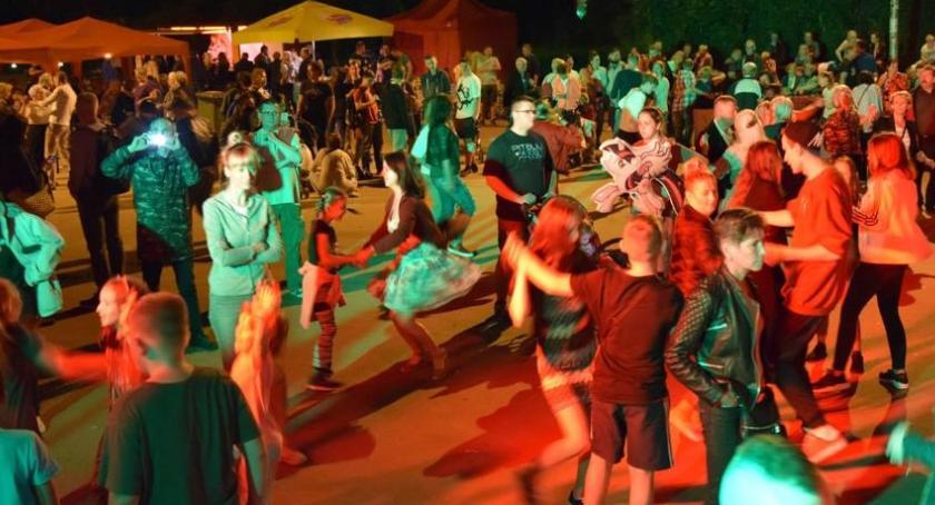 taniec, Ochota tańczyć ponieważ kobietą - zdjęcie, fotografia