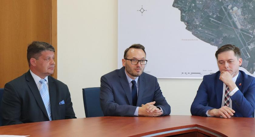 samorząd, Burmistrzowie wracają - zdjęcie, fotografia