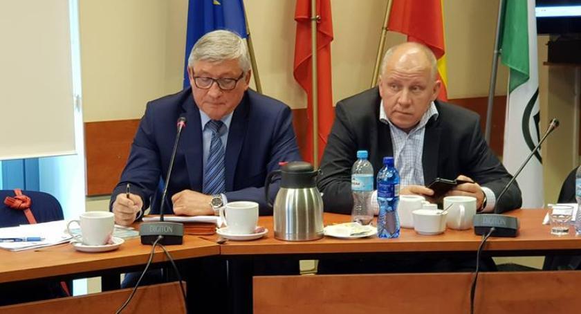 polityka, Oszczercy mają ochoty przepraszać burmistrza Kruka - zdjęcie, fotografia