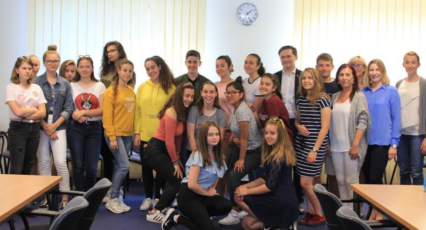 szkolnictwo, Hiszpańscy uczniowie Włochach - zdjęcie, fotografia
