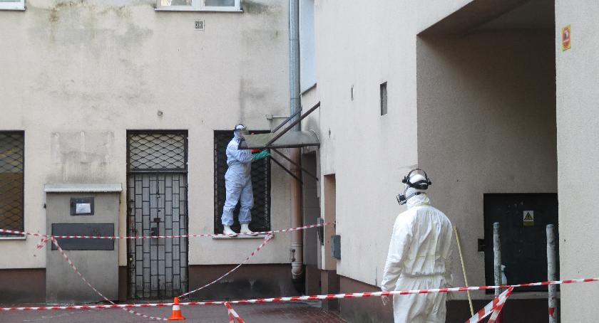 Mieszkalnictwo, Chemiczni rycerze akcji - zdjęcie, fotografia