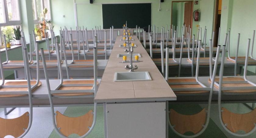 szkolnictwo, Ochockie placówki oświatowe reformie - zdjęcie, fotografia