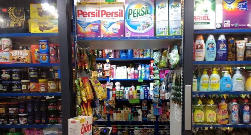 Stoiska na Zieleniaku, Cóż byłby supermarket środków czystości - zdjęcie, fotografia