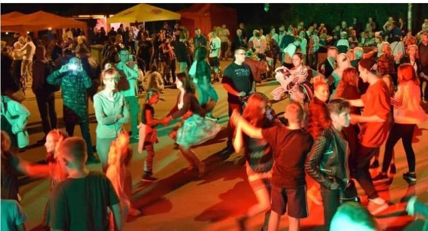 imprezy plenerowe, Potańcówka Rakowcu - zdjęcie, fotografia