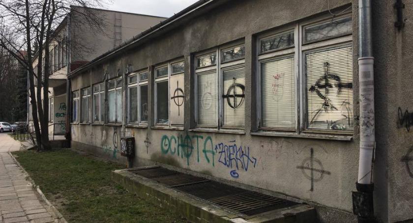 Zdrowie, Przychodnia Jankowskiej rozbiórki - zdjęcie, fotografia