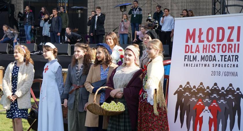 szkolnictwo, Młodzież Ochoty zrobiła furorę Gdyni - zdjęcie, fotografia