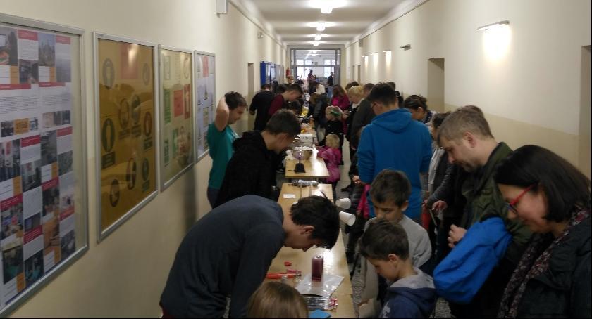 szkolnictwo, Rodzinny Piknik Energetyczny warsztaty Kolejówce - zdjęcie, fotografia