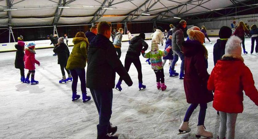 sport, Otwarcie lodowiska Rokosowskiej - zdjęcie, fotografia