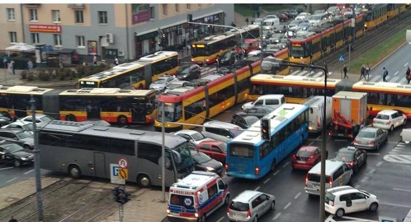 ulice, zwężenia Grójeckiej! ruchem poprzecznym - zdjęcie, fotografia