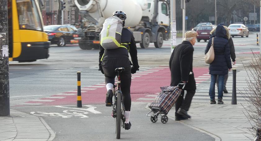 rowery, Banacha Grójeckiej będzie nieszczęście - zdjęcie, fotografia