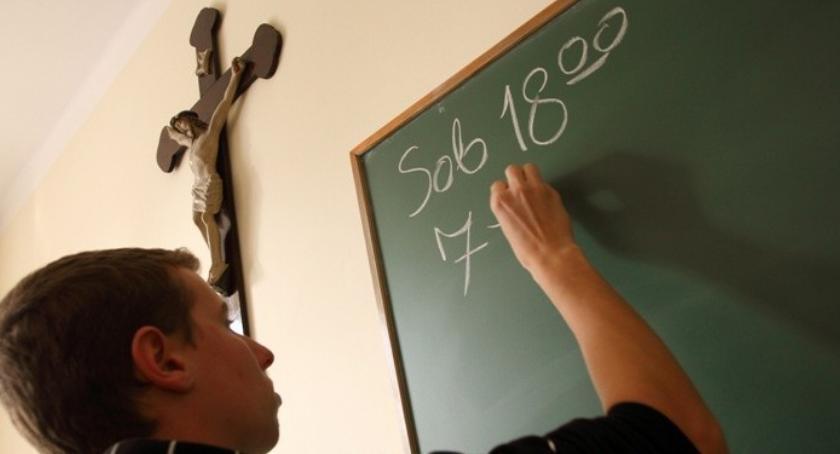 religia, Prowokacja pomysł walkę religią szkole - zdjęcie, fotografia