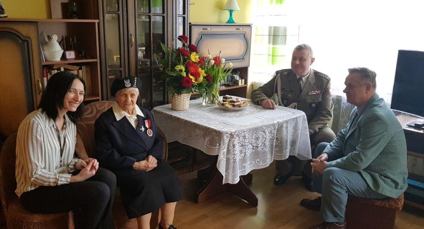 Historia, Żołnierz Zapory bohaterka Ochoty została kapitanem - zdjęcie, fotografia